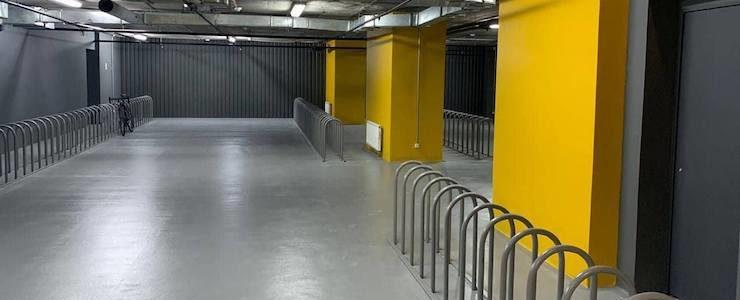 Душові перегородки на території велопаркінгу, БЦ Gulliver, м. Київ